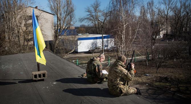 Украйна и проруските сепаратисти отложиха за утре изтеглянето на войските от фронтовата линия