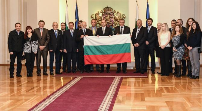 Румен Радев ще връчи националния флаг на участниците в 28-ата Антарктическа експедиция