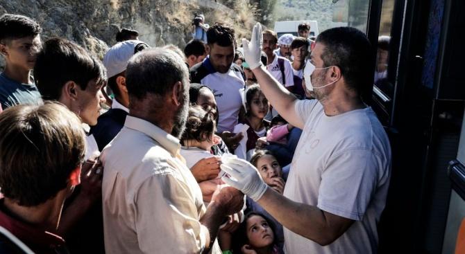 Босненската полиция хвана микробус, превозващ 17 мигранти