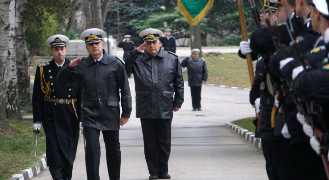 Заместник-началникът на отбраната вицеадмирал Емил Ефтимов участва днес, 8 ноември,