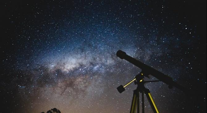Българска книга полита в Космоса. Тя ще бъде изстреляна с