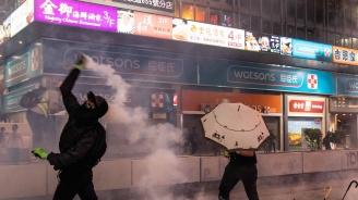Хонконгски протестиращи искат помощ от САЩ. Пекин вижда заговор в това