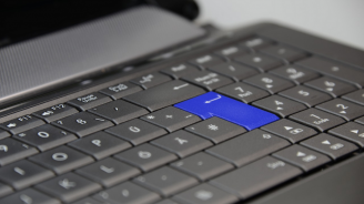 Задържаха крадец на лаптоп