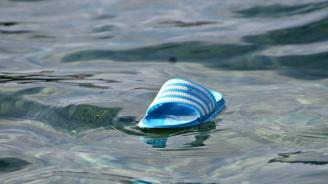 Туристка, изгубена в морето, оцеляла с ядене на бонбони