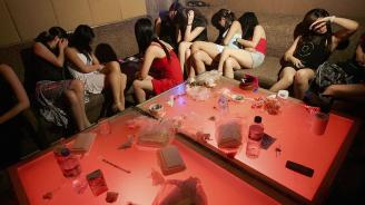 Евакуираха по спешност 350 души по гащи от клуб за оргии