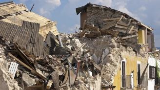 Най-малко шестима загинали и стотици ранени при земетресението в Иран