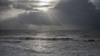 Времето в неделя: Облачно с валежи