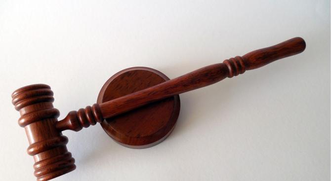 По искане на Районна прокуратура-Казанлък съдът определи постоянна мярка за