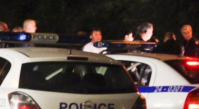 Полицията изяснява сигнал за спречкване между две групи младежи, станало