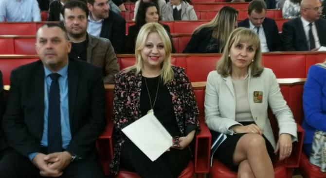 Омбудсманът Диана Ковачева: Корупцията разрушава основните човешки права без остатък