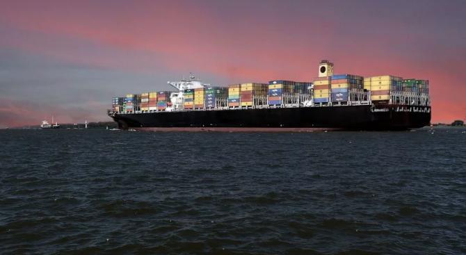 Намаляването на скоростта на корабите може да има огромни ползи