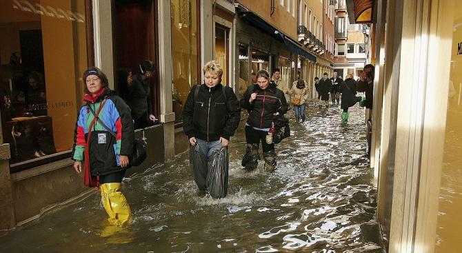 Високата вода заля Венеция