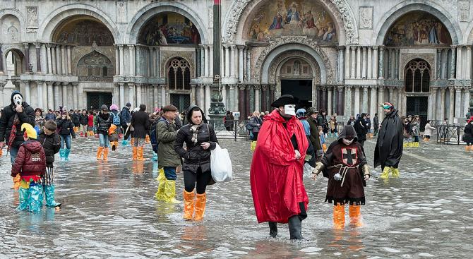 Венеция е под вода