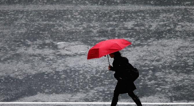 Жълт код за обилни валежи е в сила в четири области в страната