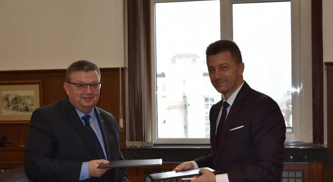 Главният прокурор на Република България Сотир Цацаров и председателят на