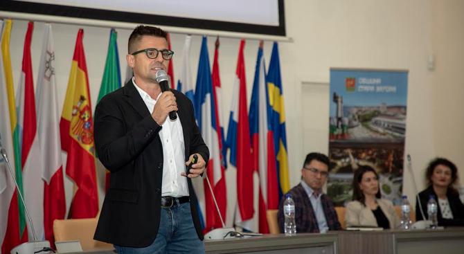ДНК представи платформа за връщане на българи от чужбина в Стара Загора