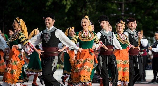 """С два концерта ансамбъл """"Пирин"""" отбелязва 65-годишнината си в Благоевград."""