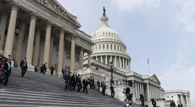 Снимка: Започна първото публично изслушване за импийчмънта на Тръмп