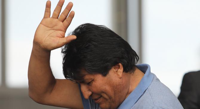 """""""Ню Йорк таймс"""": Ево Моралес си отиде, но проблемите на Боливия остават"""