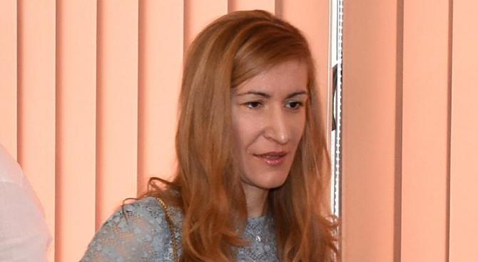 """Ангелкова: До края на годината ще бъде обявена отново концесия за Летище """"Пловдив"""""""
