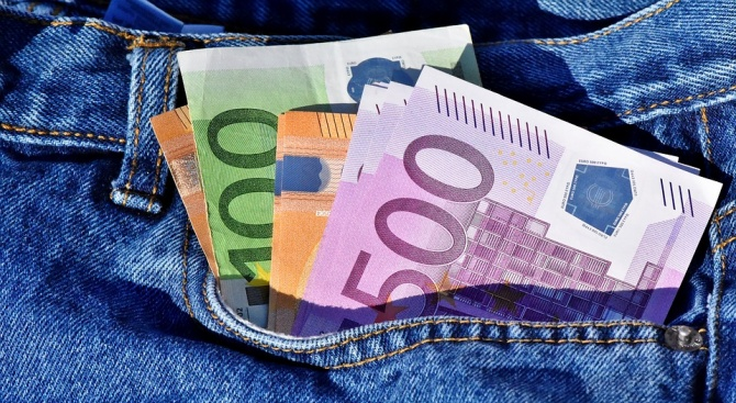 3 години затвор за мъж, плащал с фалшиво евро