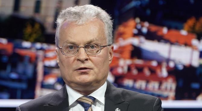 Литовският президент Гитанас Науседа помилва днес двама руски граждани, осъдени