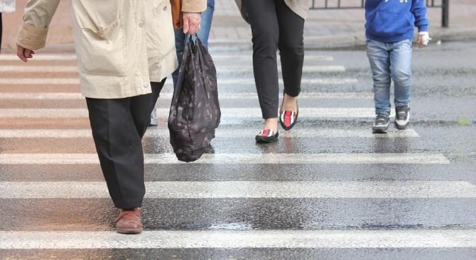 Блъснаха жена на пешеходна пътека в Сандански