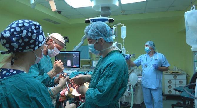Осем часа е продължила уникалната операция, която даде шанс за