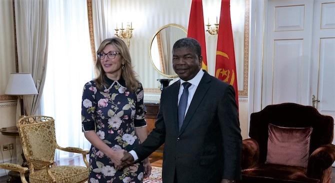 Заместник министър-председателят и министър на външните работи Екатерина Захариева се