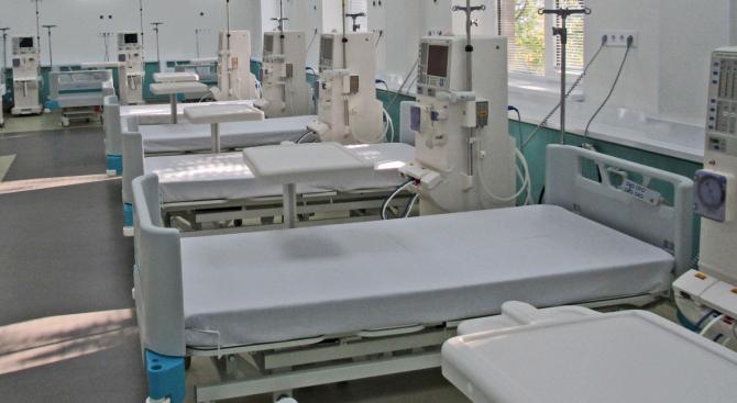 """147 пациенти на хемодиализа от Университетската болница във Варна """"Света"""
