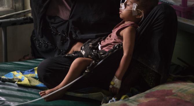 9-месечно бебе почина в бежанския лагер Мория в Гърция, съобщи