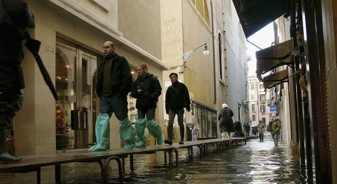 Около 70 процента от Венеция бе наводнена днес. Нивото на