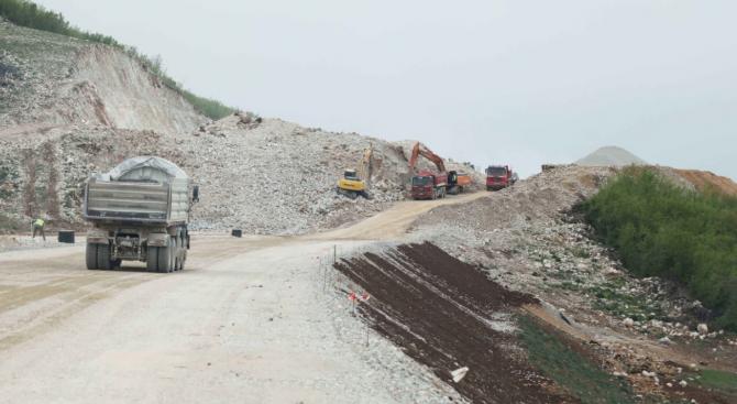 За възможен риск от екологична бомба по река Витзаради строежа