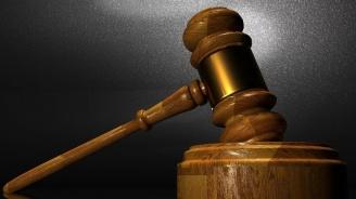 Повдигнаха обвинение на пияната шофьорка, която се заби с колата си в магазин