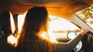 14-годишна подкара кола и вкара мъж в болница