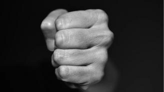 Пребиха 13-годишен на спортна площадка в Благоевград