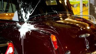 Изпочупиха и нацапаха две коли в Пловдив