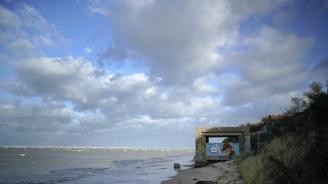 Океанът изхвърля наркотици по плажовете на Франция