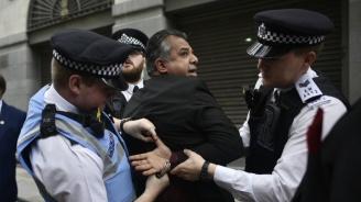 Натръшкаха румънски каналджии в Лондон