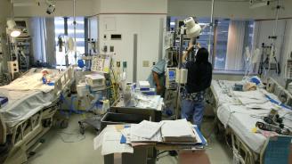 Лекари разделиха сиамски близначки в лионска болница