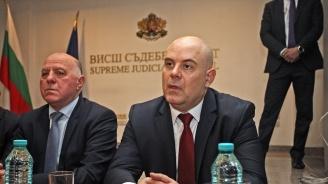 Иван Гешев: Политическият натиск е видим