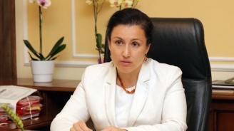 Десислава Танева: Подготвя се изцяло нова наредба за схемите за училищен плод и мляко