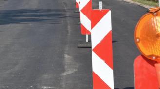 """В една лента ограничават движението в участък на автомагистрала """"Тракия"""""""