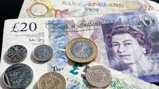 Великобритания ще повиши медицинската такса за чужденци