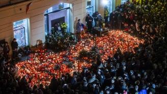 Чехите отбелязаха 30-ата годишнина от Нежната революция с музика и шествия