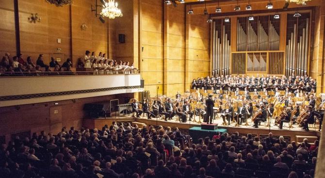 Нов симфоничен оркестър открива 29-ия си сезон тази вечер в
