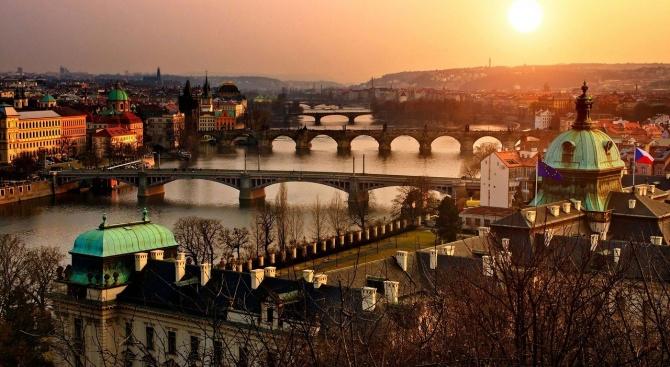 Туристическият наплив съсипва Прага - това е усещането на мнозина