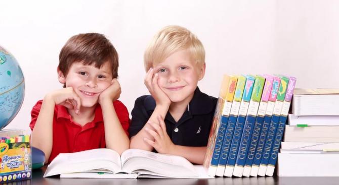 Румънските ученици ще имат по-малко учебни часове от следващата учебна