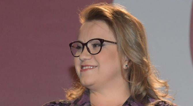 Деница Златева с остра критика към Станишев: На последните избори не бе на терен и не участва в кампанията, а сега критикува