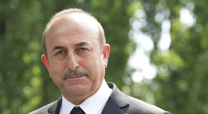 """Турция отново заплаши да възобнови трансграничната операция """"Извор на мира"""""""